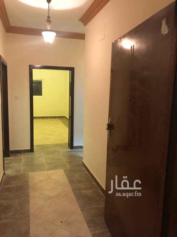 1750201 شقة دورين مجلس وصالة وغرفتين نوم ودورتين مياه ومطبخ راكب السطح مع غرفة نوم ودورة مياه