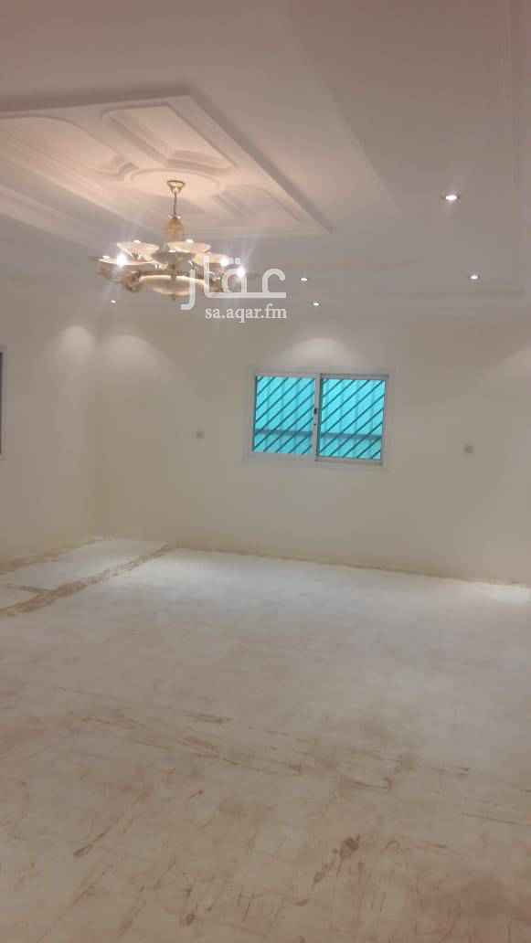 1439185 شقة نظيفة ومجددة بالكامل مكونة من غرفتين وصاله ومطبخ وحمامين والمكيفات راكبة بالطابق الأول داخل فيلا . شرط الساكن يكون عريس أو أسرة صغيرة .
