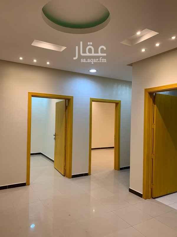1505076 موقع مميز قريب من المسجد و من جميع الخدمات الشقه في فله بمدخل خاص مع شقه اخرى وكذلك يوجد بها مدخلين رجال ونساء مجدده