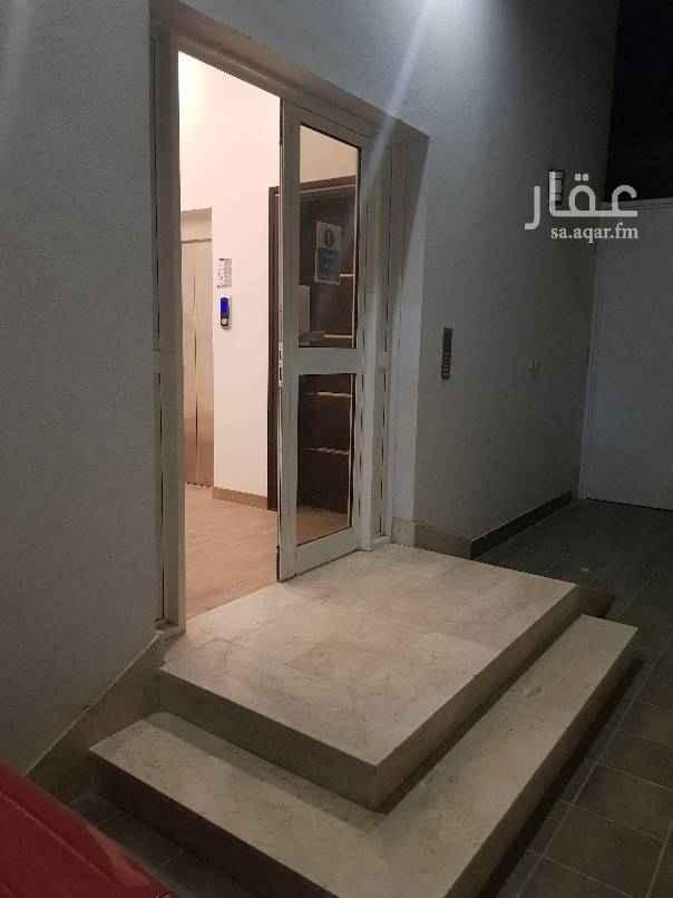 1455887 شقة في عمارة بالدور الثاني عل شارع العام للاستفسار من ٤ عصر الى ٨ مساء