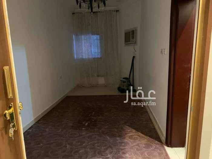 1822582 شقه للايجار 4 غرف + صاله + 2 حمام + مطبخ + مفروشه  السعر 4000 في الشهر