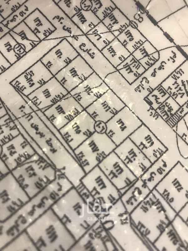 758402 ارض سكنية في حي الرمال  بمخطط التعمير 3300   مساحة 942م  السعر: 1040 للمتر   تتجزا قطعتين  طولها على الشارع 24  شارع 20جنوبي   للتواصل : 0503167748 0555499441