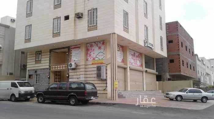 1664909 عماره على شارع تجاري بها شقق ومحلات