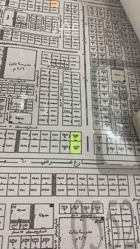 1544616 ارض تجاريه على ثلاثة شوارع  شارع ٦٠ وشارع ٤٠ وشارع ٢٠  المساحه ٢٥٥٠ م للايجار