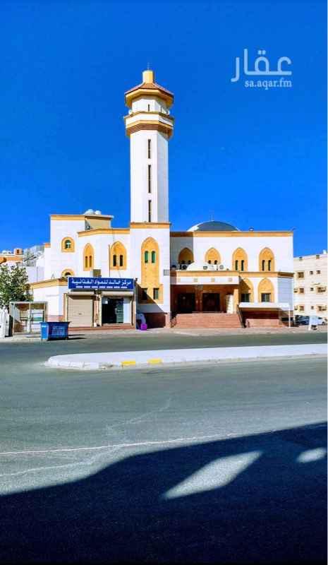 1447420 أرض على شارعين 32 * 24 بجوار مسجد محمد صالح الراجحي بينها وبين المسجد شارع عرض 24  الموقع للاستثمار