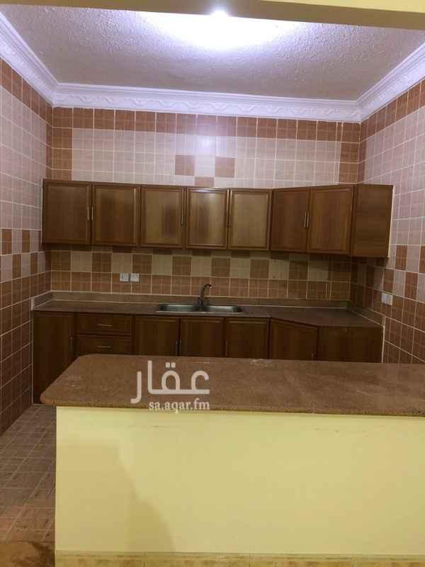 1245540 للايجار شقة حي الياسمين شارع الخيالة غرفتين نوم صالة مجلس غرفة خادمة مكيفات مطبخ راكبة
