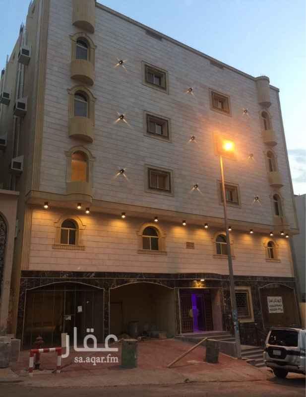 1578824 شقة في الشوقية خلف الكتروا العمارة عمرها سنتين الشقة عباره عن اربعة غرف وصالة و٣حمامات