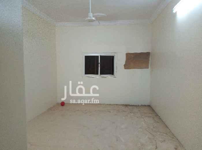 1256193 شقة للايجار في حي الهوارنة ;أربعة غرف +صالة+حمامين+مطبخ  ;الشقة في الدور الثاني ولها مدخلين>الإيجار الشهري ب 1200