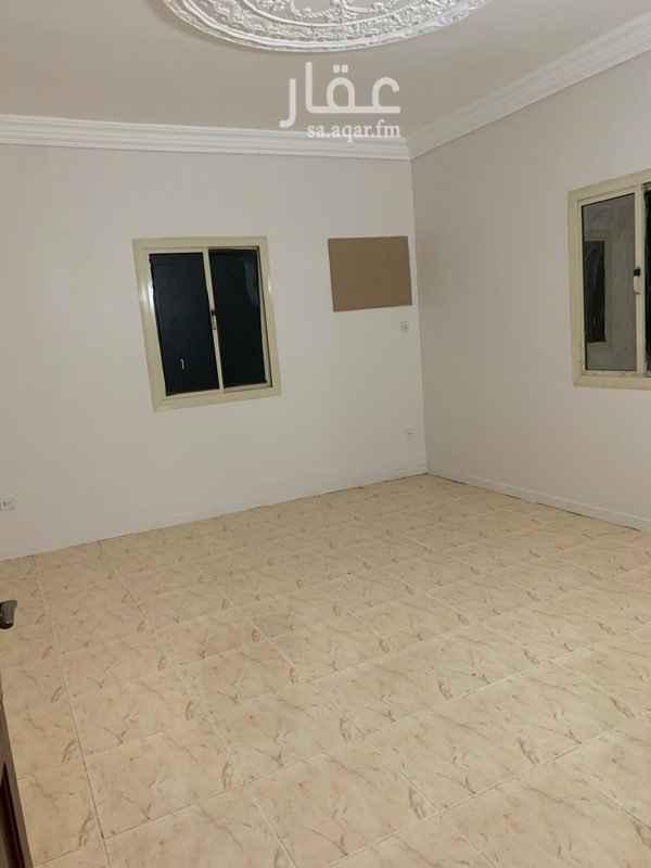 1760704 شقة ٣ غرف وصالة (للعوائل)