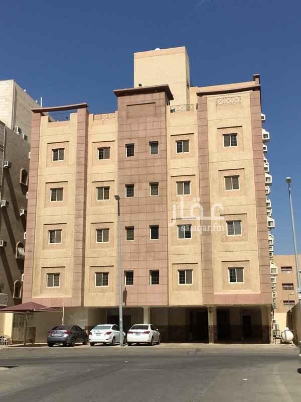 1509466 شقة روف تشطيب سوبر لوكس مساحة الشقة ٢٣٠ متر مربع مطلة على سطح مساحته ١٠٠ متر مربع