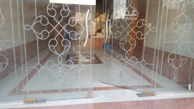 1705996 شقه ثلاث غرف و صاله و ٢ حمام شمال ابحر (حى الزمرد) طريق الملك سعود  الدور الثانى يوجد مصعد الايجار ب ١٧ ألف فى السنه
