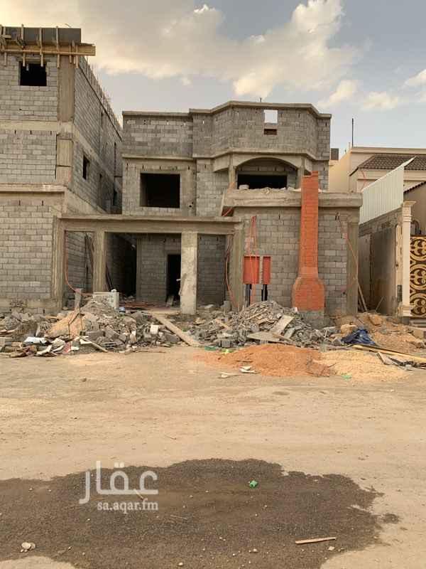 1454077 فيلا للبيع   مساحة العمارة : 360 م  شماليه  دور ارضي مع درج داخلي مسروق وشقتين  الشارع: 25 م  الحد: 1,200,000 الف ريال  للتواصل : 0555684214