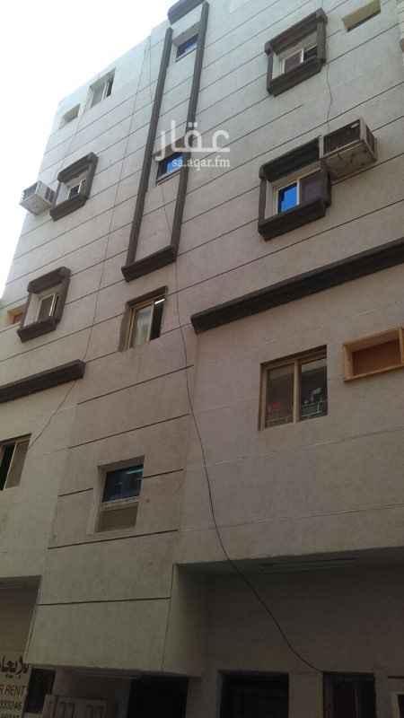 1698560 عماره للبيع في حي الباديه بعشر مكيفات العمر 3 سنوات والدخل السنوي 70000 الف