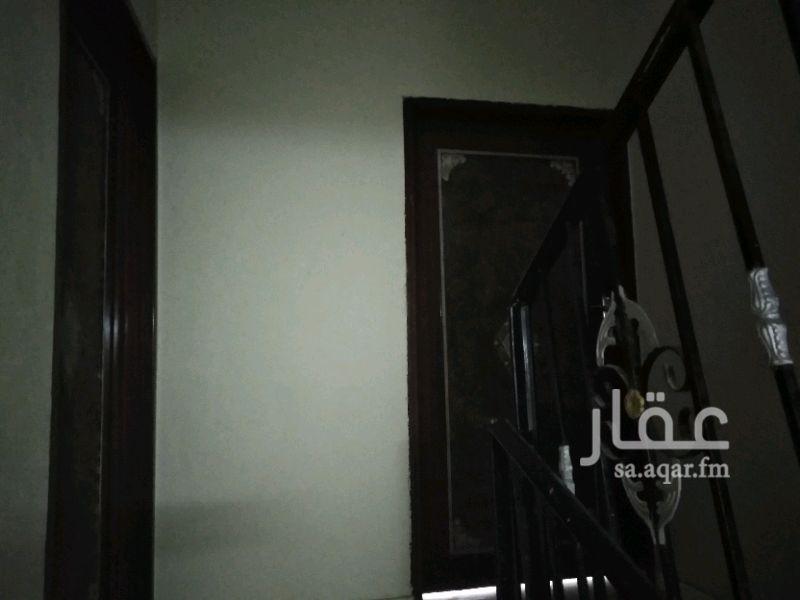 1290421 يوجد لدينا دور علوي الإيجار بالرمال شرق البجادي خمسه غرف وصاله مستخدم ٦شهور باقي التفاصيل الاتصال بالرقم ٠٥٥٥٦٩٢٧٤٣