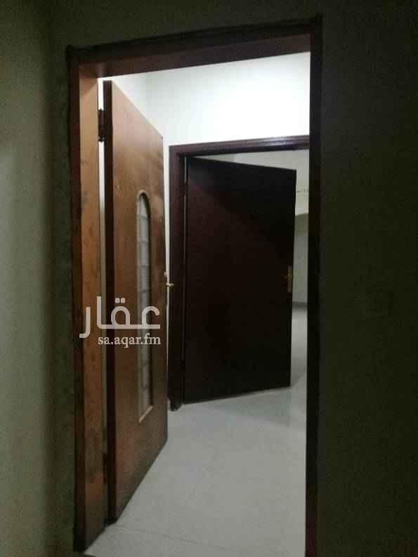 1502869 شقة تتكون من 3 وصالة موقع ممتاز بحي النهضة للمفاهمة 0536222759/0555736810