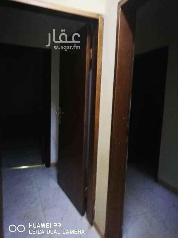 1676612 شقة تتكون من 3 غرف وصالة مطبخ راكب + مكيفات للفماهمة 0536222759/0503466604