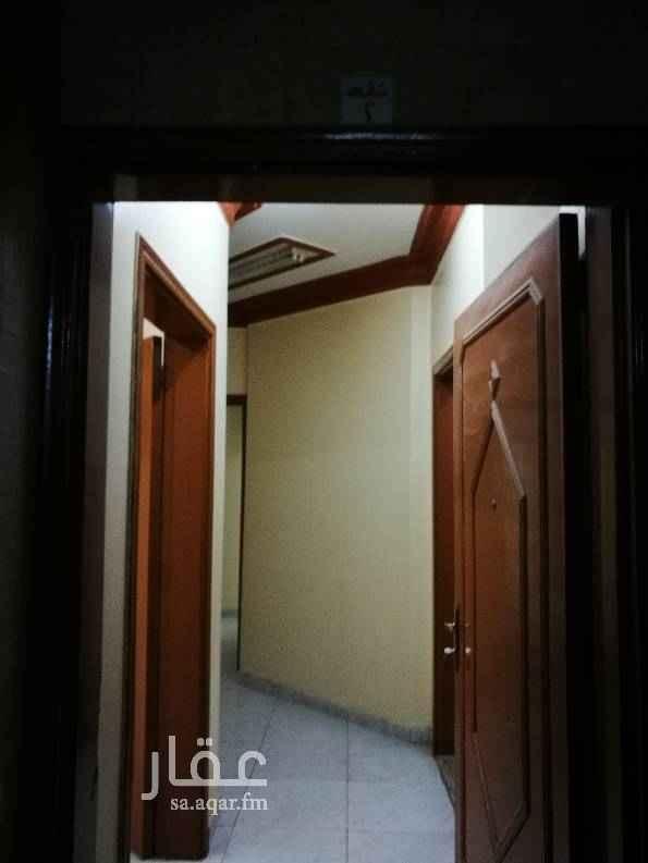 1762277 شقة ارضية تتكون من 3وصالة للمفاهمة 0536222759/0555736810