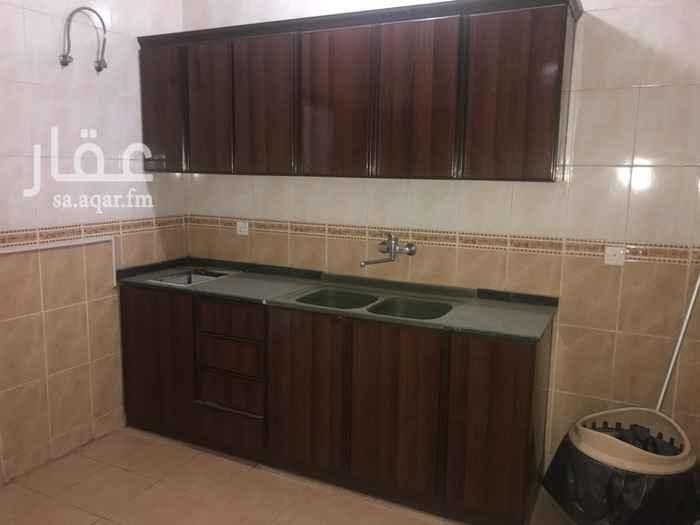 1068238 شقق بموقع مميز على جانب حي الشفا بإطلالة بانورامية رائعة على مدينة جدة تتكون من: 2 غرفة+صالة+مطبخ+2 حمام بسعر 18 الف ريال  3 غرف+مطبخ+صالة+حمامين بسعر 19 الف ريال 4غرف+مطبخ+صالة+حمامين بسعر 20 الف ريال الاسعار تشمل رفوف المطابخ لجميع الشقق و يمكن تركيب المكيفات لجميع غرف الشقة بإضافة 1000 ريال على ايجار الشقة السنوي.  طريقة الدفع كل ستة اشهر كحد ادنى عداد كهرباء مستقل لكل شقة. بوابة الطليعة العقارية  للاستفسار نرجو التواصل من خلال التالي: جوال 0555756098  تويتر BawabatAtalia@