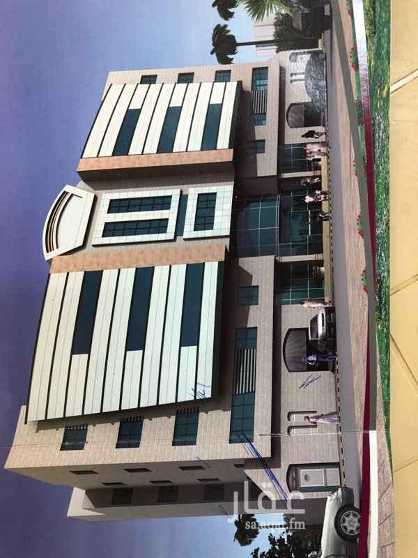 1121581 شقة بالدور الاول في المجمع السكني بالمسفلة ( بن زومة )