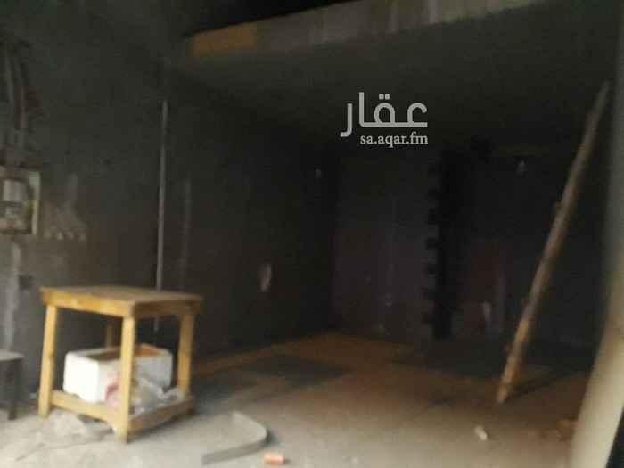 1768053 محل للايجار  حي المروة شارع صالح العمري  المحل مكون من دورين  يوجد غرفه تخزين داخل المحل  للاستفسار  0555771052