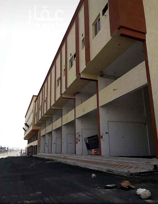 1033235 عمارة تجارية (الفاخرية 2) يوجد بالعمارة 16 شقة و غرفتي حارس واسانسير مساحة المحلات كالآتي :ـ الدور الارضي  2 شقة كل شقة تتكون من : مجلس وغرفة نوم كبيرة وصالة ومطبخ وغرفة غسيل و2 حمام و2 مدخل الدور الاول (الميزانيين) 2 شقة كل شقة تتكون من : مجلس و3 غرف نوم وصالة ومطبخ و4 حمام و2 مدخل الدور الثاني 8 شقق كل شقة تتكون من : مجلس و3 غرف نوم وصالة ومطبخ و4 حمام و2 مدخل المحلق به 4 شقق كل شقه بها مجلس وصاله و3 حمامات و3 غرف نوم