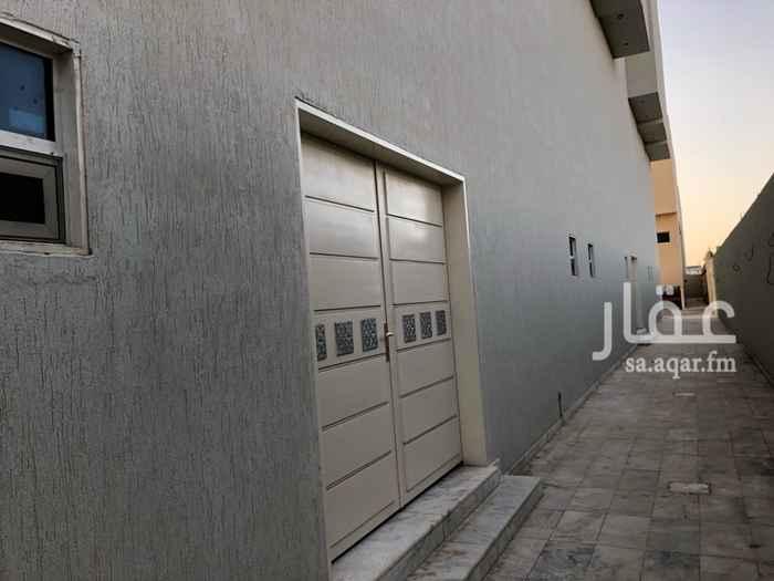 1629078 مكاتب ومعارض للايجار  على طريق الملك عبدالعزيز  على ثلاث شوارع  الافضلية لتأجير لكامل المكاتب  حي العارض   شمال الرياض  مكاتب وممرات واسعة   يوجد مدخلين للمكاتب   يوجد مصعد