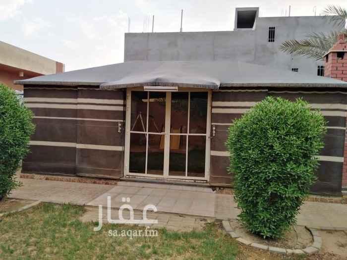 1703044 استراحة قسمين قالقسم يتكون من : بيت شعر غرفة  مطبخ  دورتين مياة مسطح اخضر   والقسم الثاني نفسه  البيع على الشور