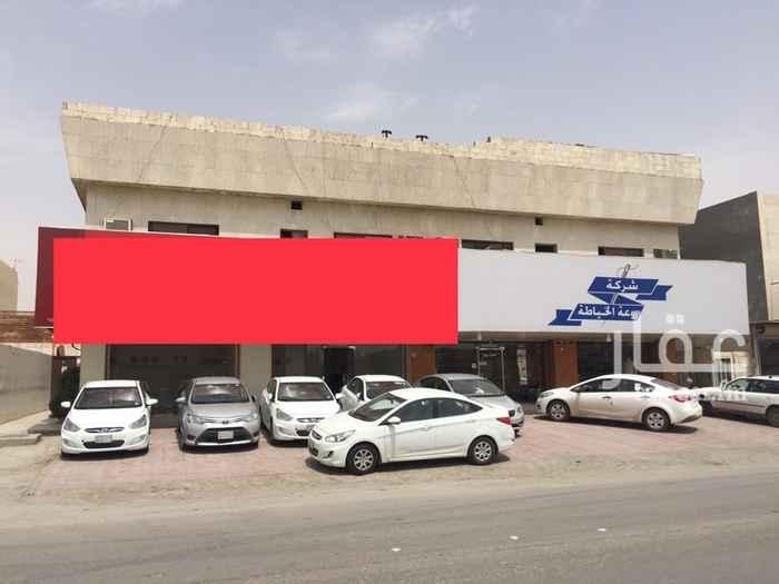 1391009 للتقبيل محل على شارع الامير بندر بن عبدالعزيز بحي الخليج  المحل يوجد به مكيف وديكورات جبس وباب سكريت وسراميك المحل جاهز لبدء اي نشاط حيث يقع على شارع حيوي وموقعه استراتيجي  0555970960