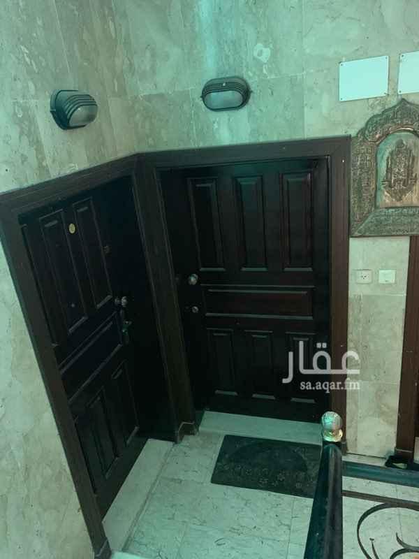 1349605 شقة خمس غرف  ثلاث حمامات صاله غرفة غسيل مدخلين مطبخ مركب  تشطيب سوبر