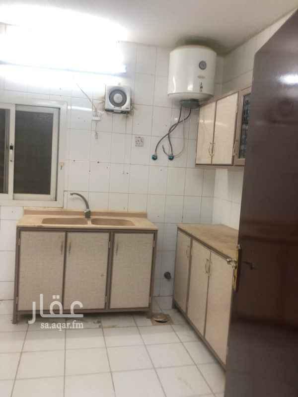 1645806 4غرفه +صاله+مطبخ+دورتين مياه  مطبخ راكب  الموقع حي الازدهار شارع شري