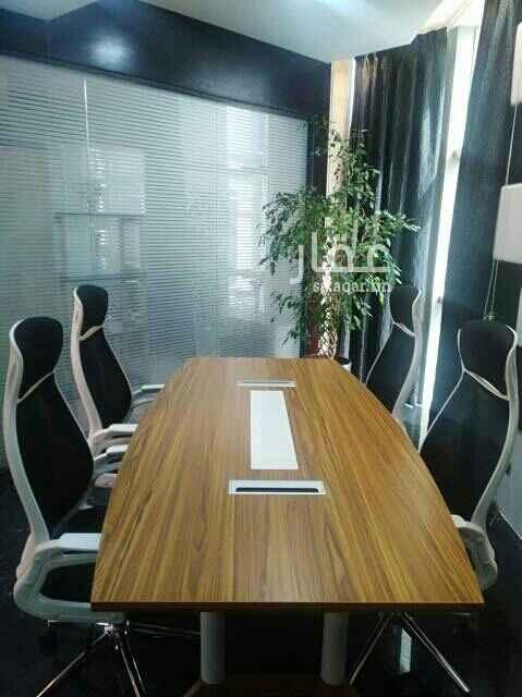 1461597 مكتب مجهز يشمل جميع الخدمات والفواتير موقع واطلاله مميزه تشطيب راقى لرجال وسيدات الأعمال.  يوجد مساحات أخرى  صغيرة ومتوسطة طبقا لاحتياجات العميل