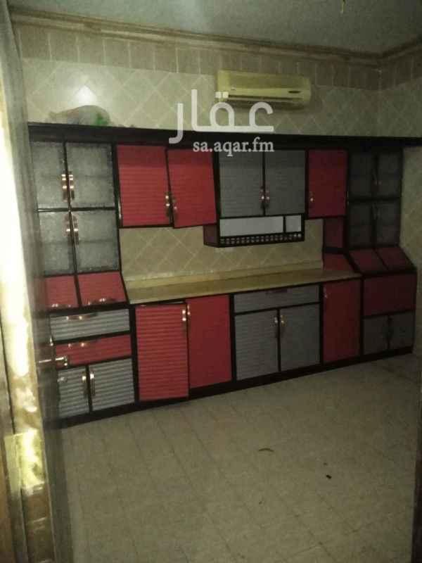 1192348 للإيجار شقه في فيلا في حي الربيع مكون من 3غرف وصاله مطبخ مكيفات راكب 2 حمام السعر 25الف