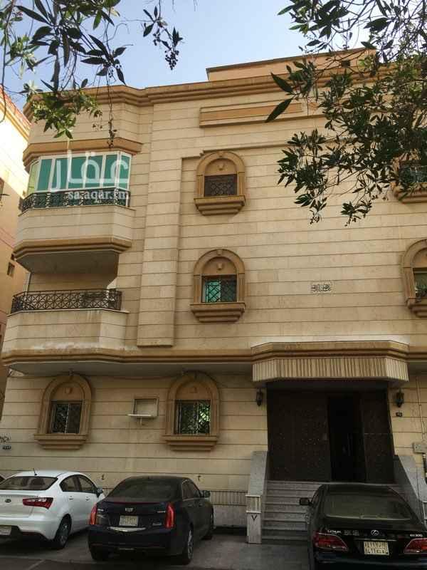 1376960 شقه ٥ غرف دوري ارضي مرتفع صاله  غرفه خادمه مع حمامها