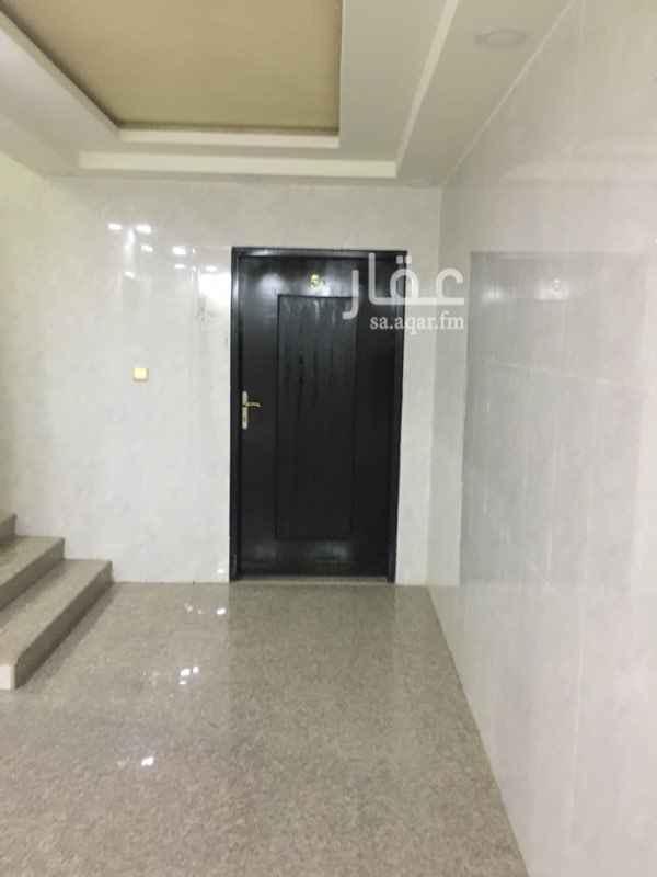 1465248 شقة جديدة مقابل حي الاحمدية قريب من الدائري مجلس  صالة مطبخ  غرفة نوم  ٤ غرفة ٤ حمام يوجد مصعد خزان مستقل