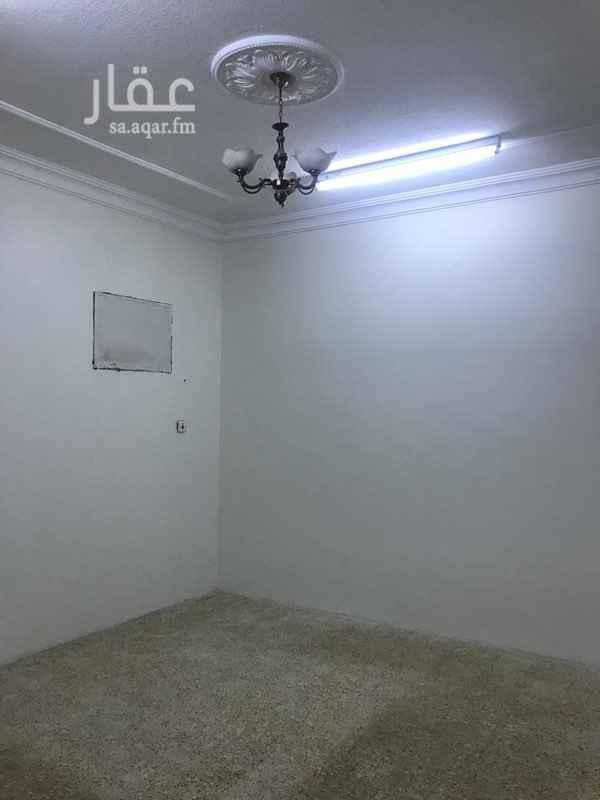 1756883 شقة 4 غرف وصاله ومطبخ 2 حمام مدخلين عداد مستقل سطح