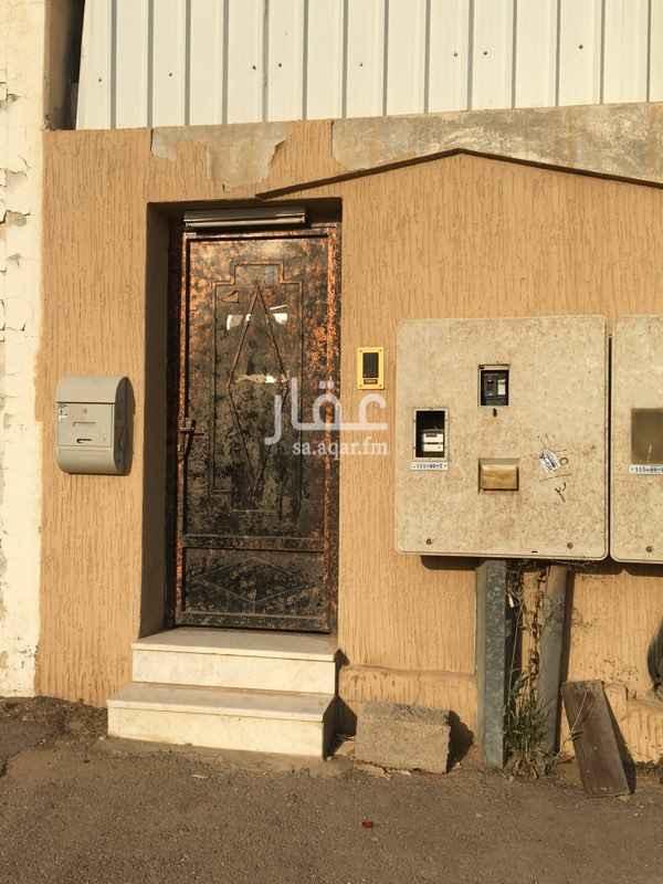 1571962 شقه ارضيه   غرفه وصاله وحمام ومطبخ  مدخل منفصل