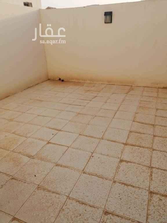 1508769 شقة ثلاث غرف مع سطح للايجار في حي الرمال جديده