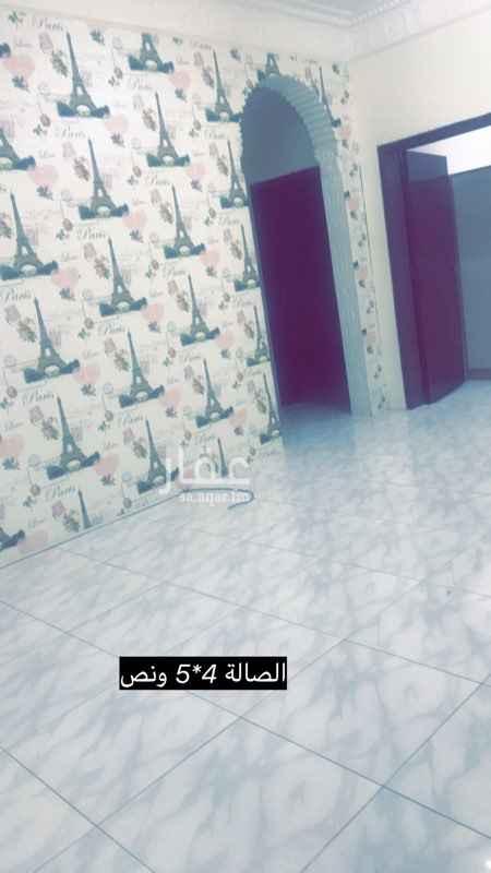 1554223 شقة للايجار حي بدر 91 4غرف وصالة ومطبخ راكب جديد ودورتين مياه