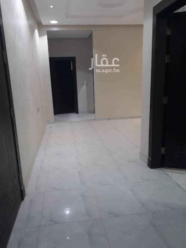1491385 شقه للأيجار حي العارض    شرق شارع الملك عبدالعزيز  مجلس + 2 غرف + صاله + دورتين مياه