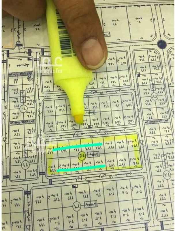 1430033 بلك ٢٤ مربع ١٧   مساحة البلك بالكامل ٨٣٢٠    القطع متساويه ١٦ قطعه   اطوالها ٢٠ على الشارع في عمق ٢٦   مساحة كل قطعه ٥٢٠ م  اطواله مميزه جداً ومنطقة ممتازة   هناك فرصه لبيع نصف البلك عبارة عن ٨ قطع  ٢٥٠٠+ الضريبة
