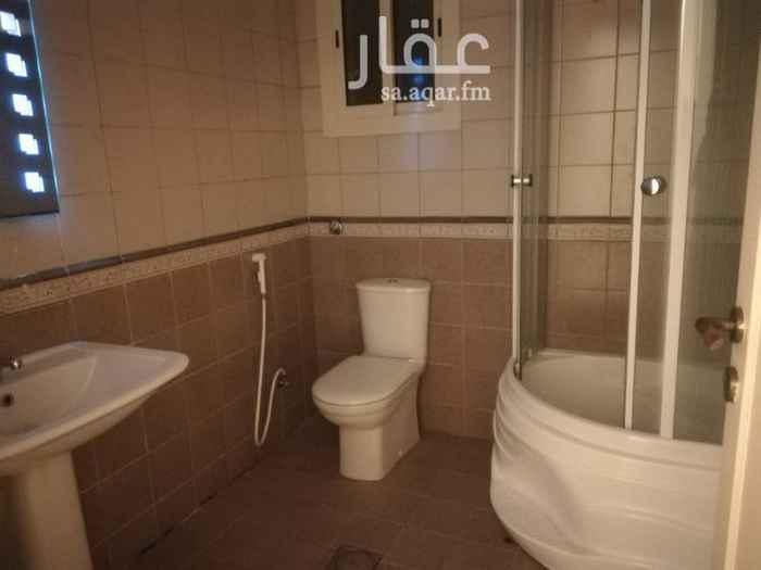 1144516 خمس غرف وصاله و4 دورات مياه وغرفه شغاله في الدور الأول قريبه من شارع الامير سلطان السعر 42000