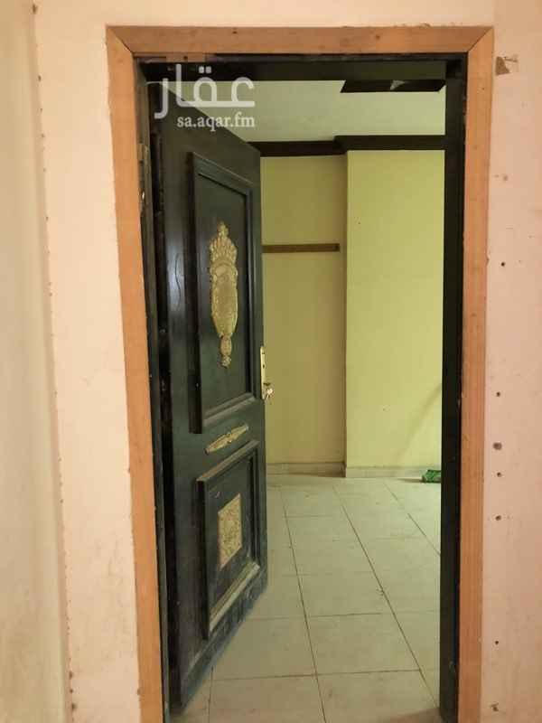 1510474 شقة للايجار مناسبة للعمالة  مكونة من ثلاث غرف وصالة ومطبخ ودورتان مياة.                                                             مكتب ابوركبة للعقارات