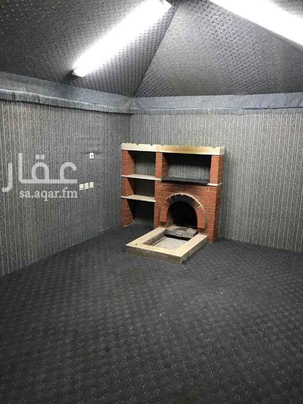 1285133 فيها غرفه٤×٤  وحمام ومطبخ  وخيمه٤×٦ وفيهامشب مدخل سياره ومكان يصلح جلسه