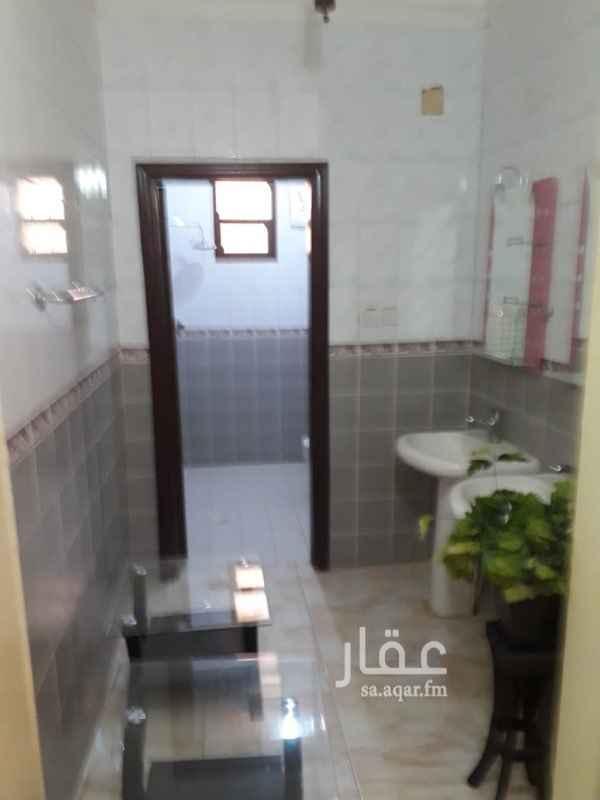 1100407 شارع المدارس بحي الحمراء ملحق بالحمراء غرفتين ومطبخ راكب وحمام شقة ممتازة مطلوب ١٣الف  عوايل
