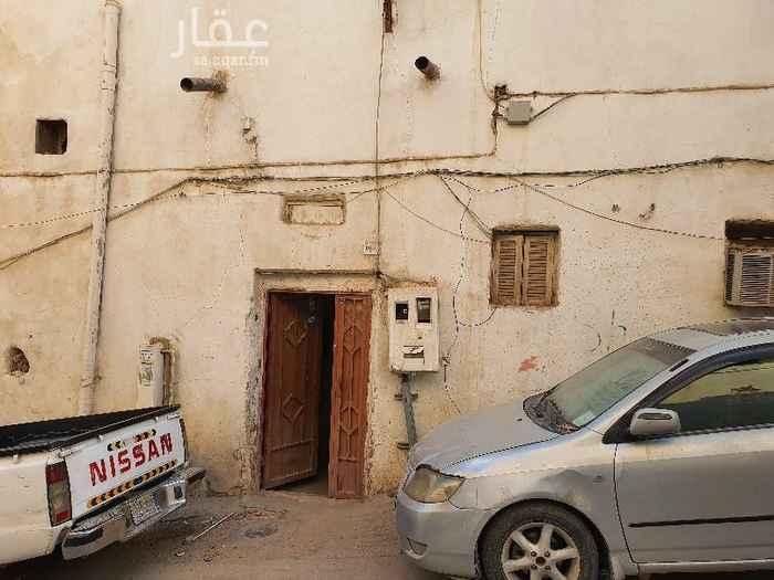 1718023 بيت شعبي للايجار، ٦ غرف، ٣ حمامات و مطبخ الإيجار ١٠ الالف ريال