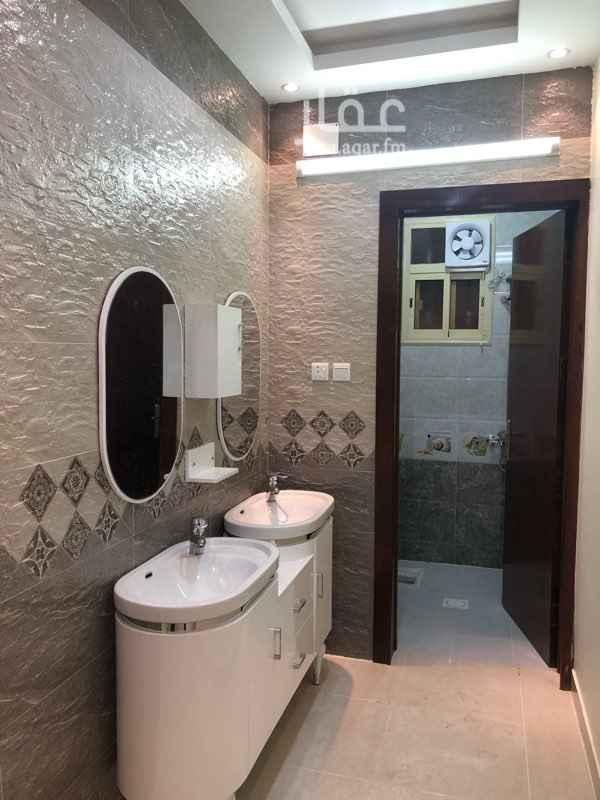 1706240 شقق تمليك   حي البديع   كل شقة خمس غرف   وصاله   واربع  دوراة مياه   ومستودع