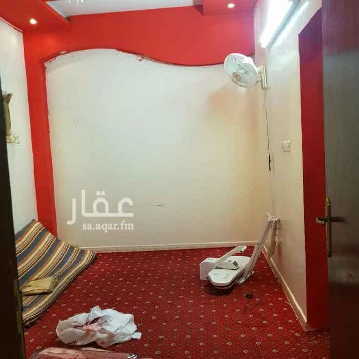 1301785 خلف البنك العربي بالندوه شارع الجزيره الخضراء موقع ممتاز جدا قريب من جميع الخدمات.