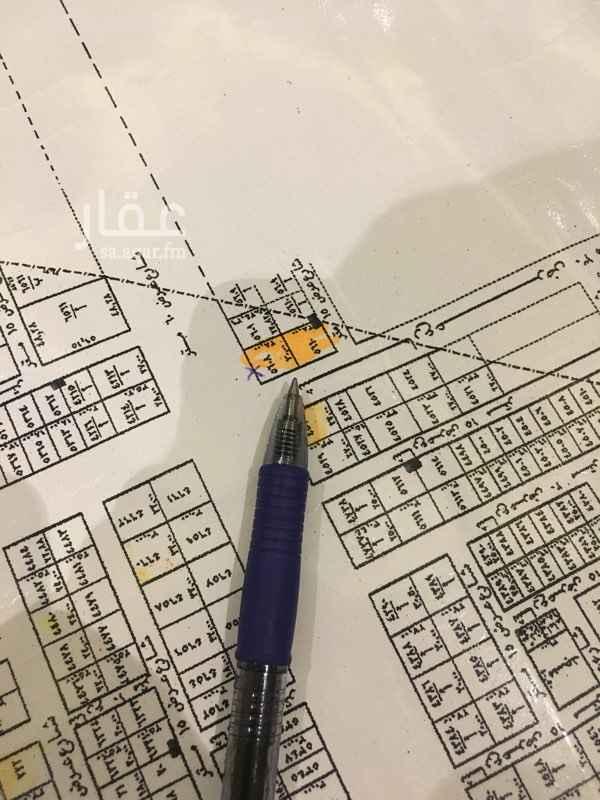 1491987 ارض للايجار .. مناسبة لـ اقامة محطة بنزين  راس بلك .. الشوارع:  60 و 30 و 15 المساحة: 1983م الاطوال: 30*66.1