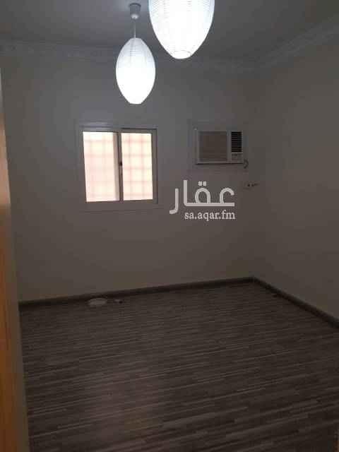 1530884 شقة غرفتين وصالة بالياسمين شمال طريق انس بن مالك ارضية باركية ومكيفات ومطبخ راكب اكثر من رائعة