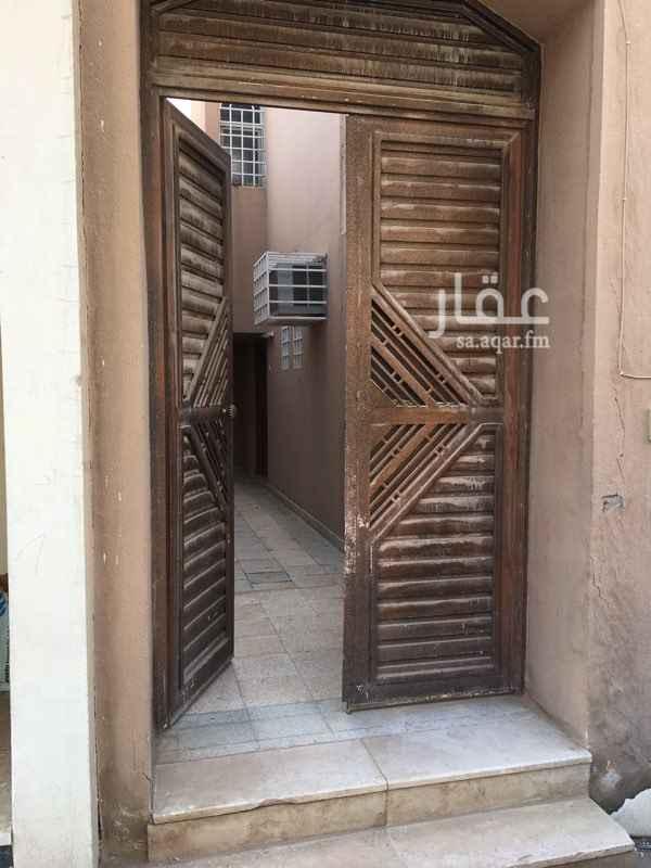 1399859 مدخل خاص  دور علوي كبير للاجار
